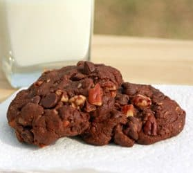 A Spicy Dinner & Dessert: Chicken Curry with Chickpeas and Hot Chocolate Cookies