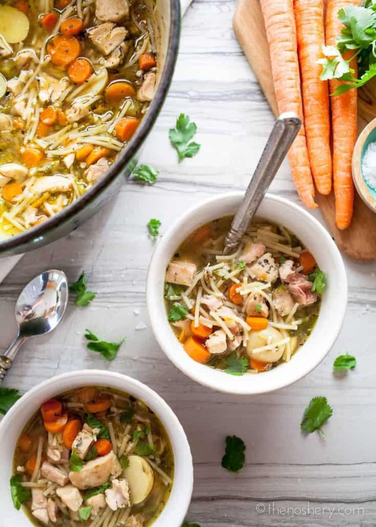 Sopa de Pollo con Fideos (Chicken Noodle Soup)