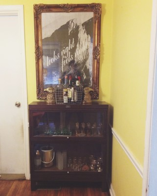 Five Tips for Assembling A Vintage Bar