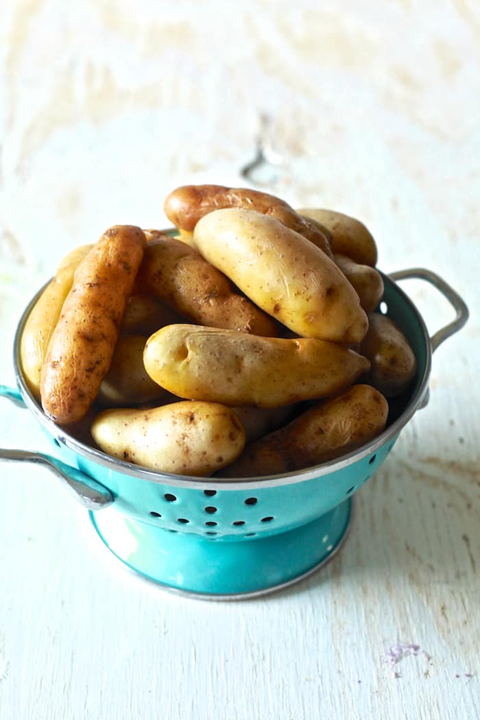 Fingerling Potatoes with Lemon Dill Aioli - A great appetizer or snack - TheNoshery.com