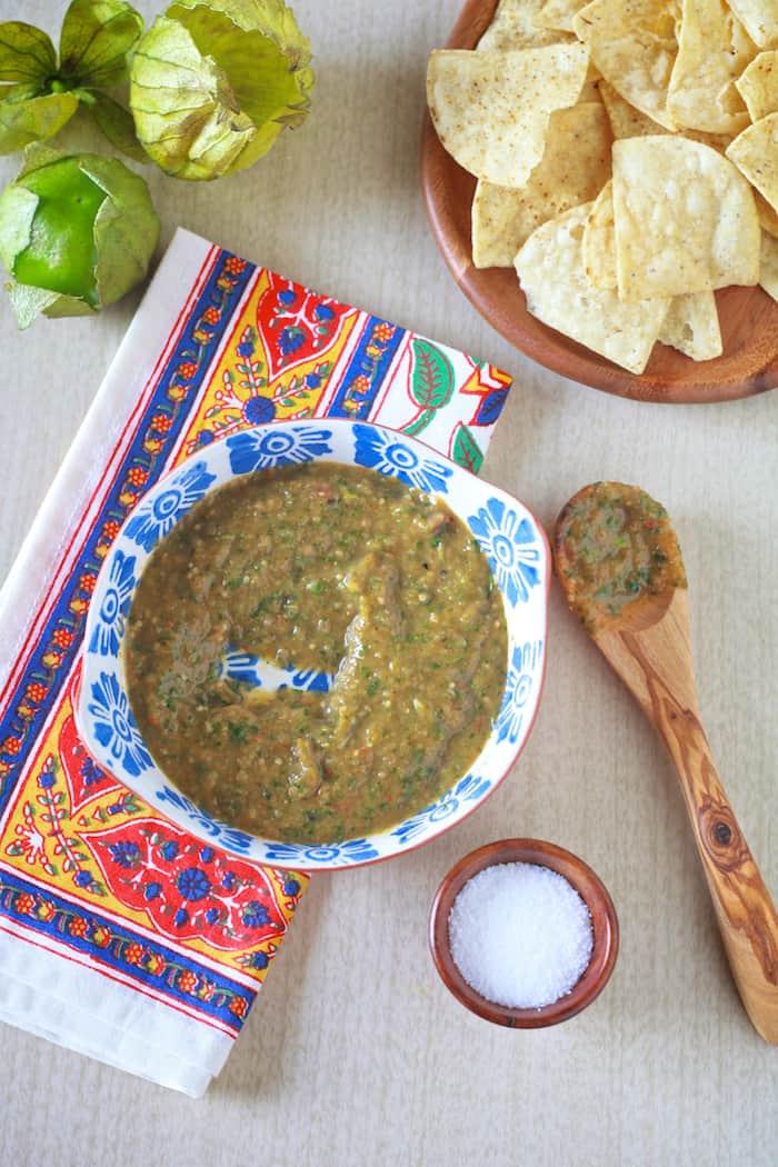 Roasted Tomatillo Salsa Verde - TheNoshery.com