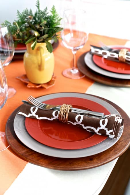 Simple #Thanksgiving tablescape | TheNoshery.com