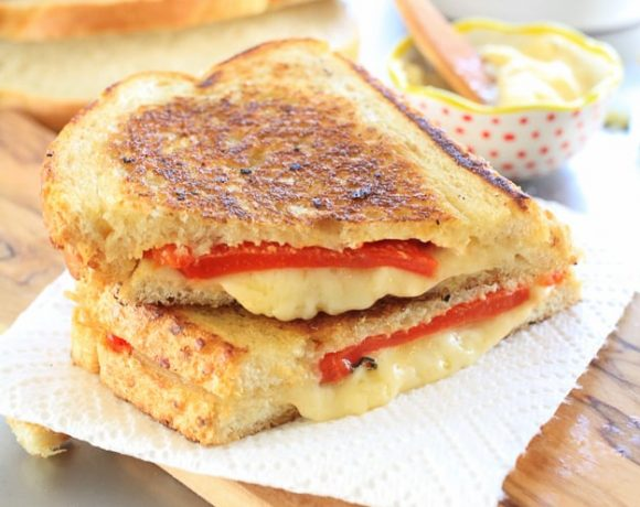 Perfectly Crispy Pimento Grilled Cheese