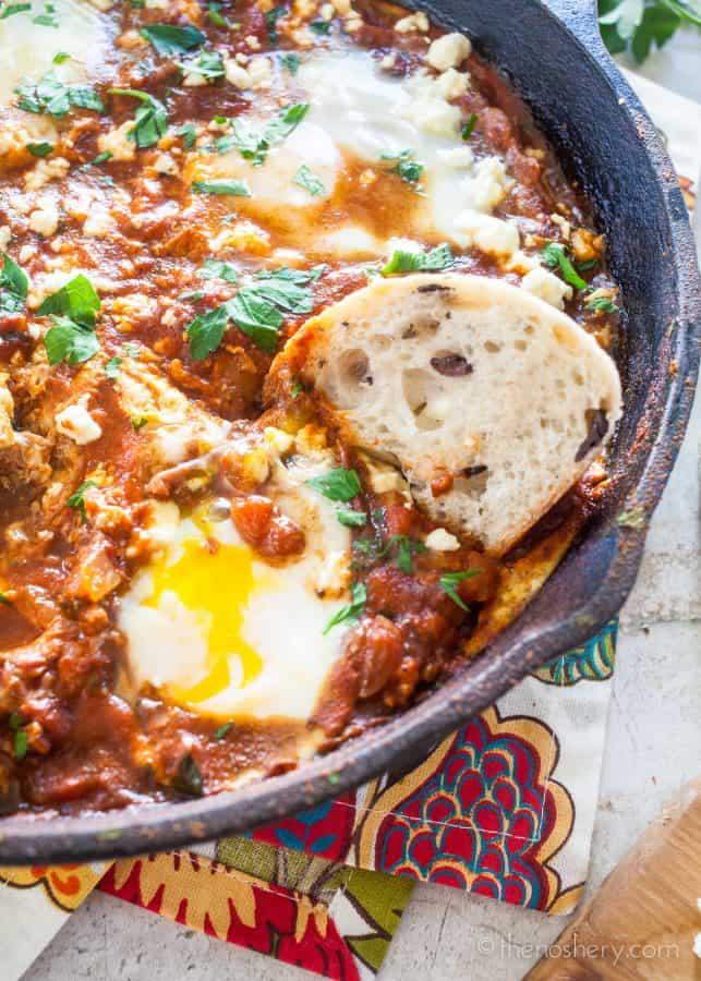 Shakshuka - Poached Eggs in Tomato Sauce | TheNoshery.com
