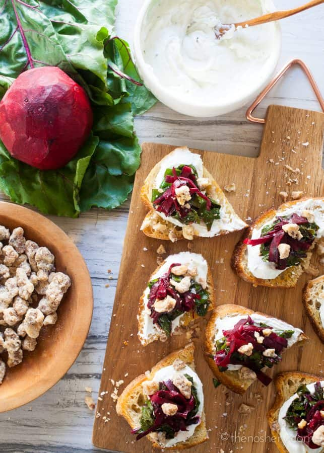 Balsamic Beets & Goat Cheese Toasts | TheNoshery.com